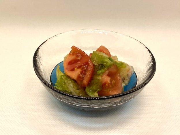 トマトとレタスの和え物